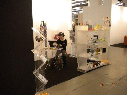 tavolino e mobili in plexiglass stand