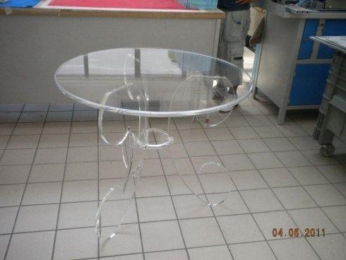 tavolino circolare plexiglass trasparente