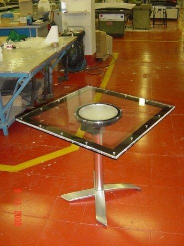 tavolino quadrato in plexiglass