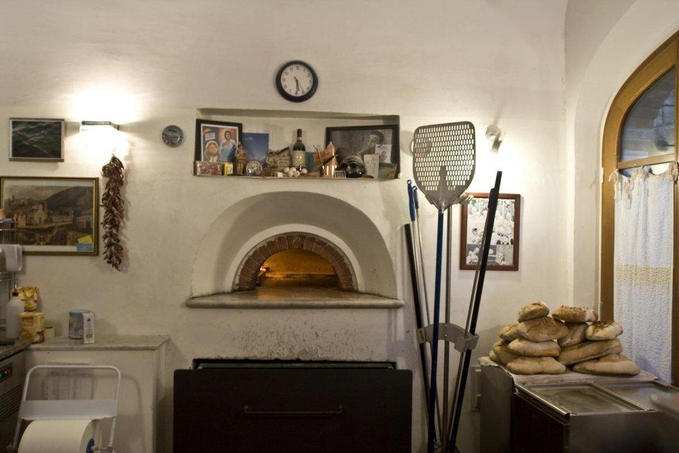 pizzeria trattoria