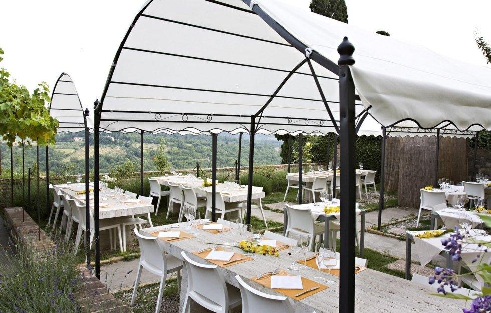 Ristorante con tavoli all' aperto Tavarnelle Val Di Pesa