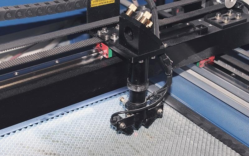 Processo di lavorazione con il laser