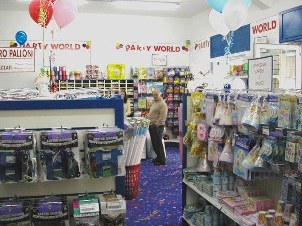 prodotti di cartone e di carta per feste