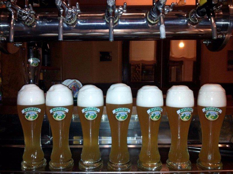 dei boccali  di birra alla spina