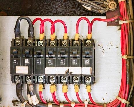 progettazione di impianti elettrici.
