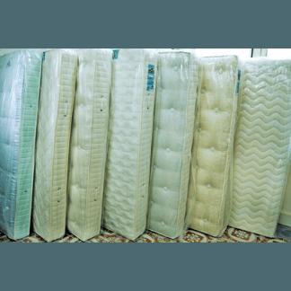vendita pila di materassi