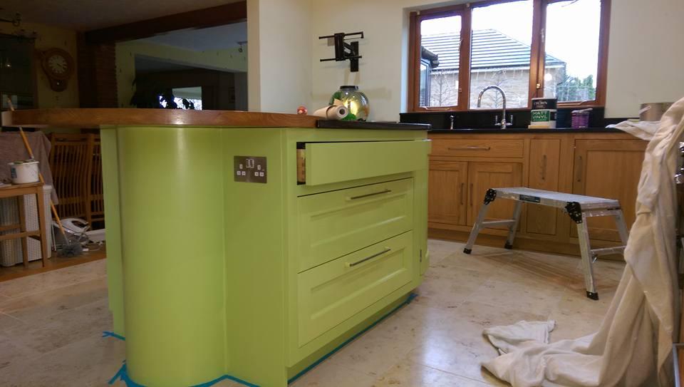 green worktop storage space