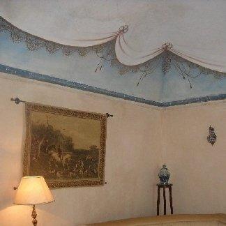 Camera con affreschi