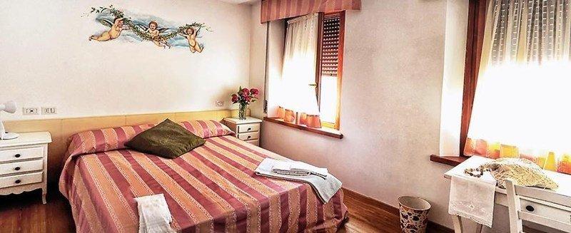 Interno di una camera dell'albergo ristorante locanda del Re Feltre a Feltre