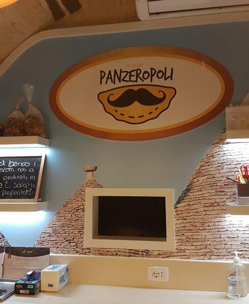panzerotti street food italiano a bari