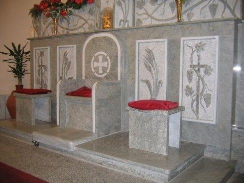 altari in pietra