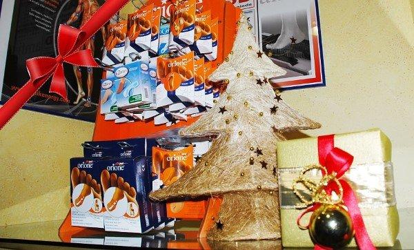 Interno del negozio con decorazioni natalizie a Torino - Piemonte