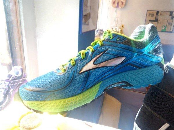 Scarpe sportive azzurro e verde