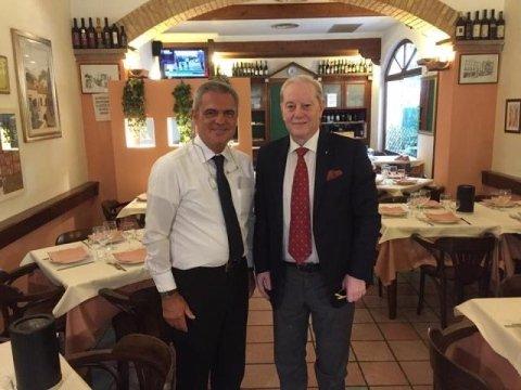 Ristorante Basilio a Cagliari con il premio Nobel per la pace