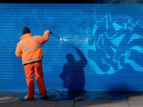 rimozione graffiti genova
