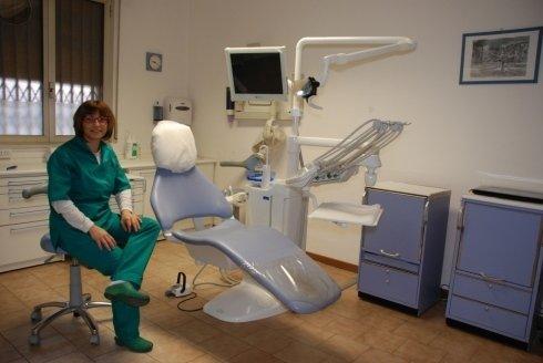 La dottoressa nel suo studio