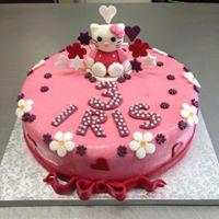torta alla fragola di buon compleanno per IRIS