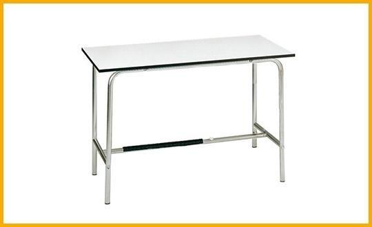 scrivania in acciaio cromato