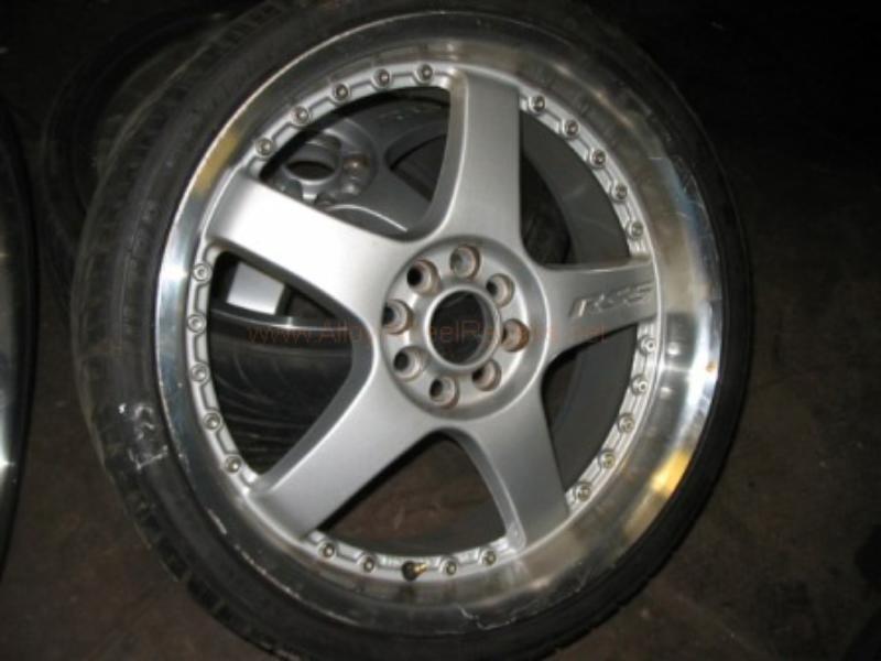 car wheel at alloy service