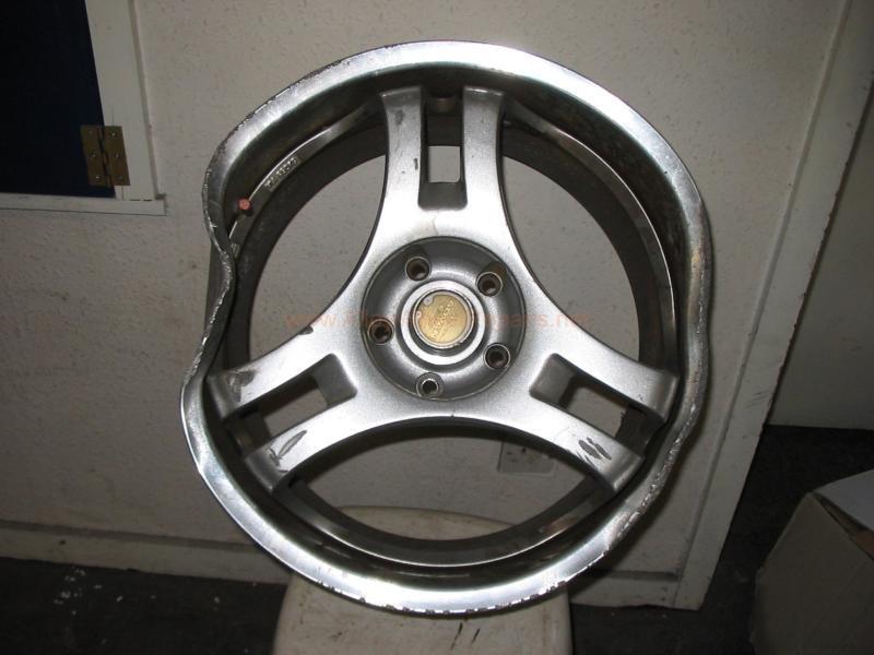 damaged gold wheel