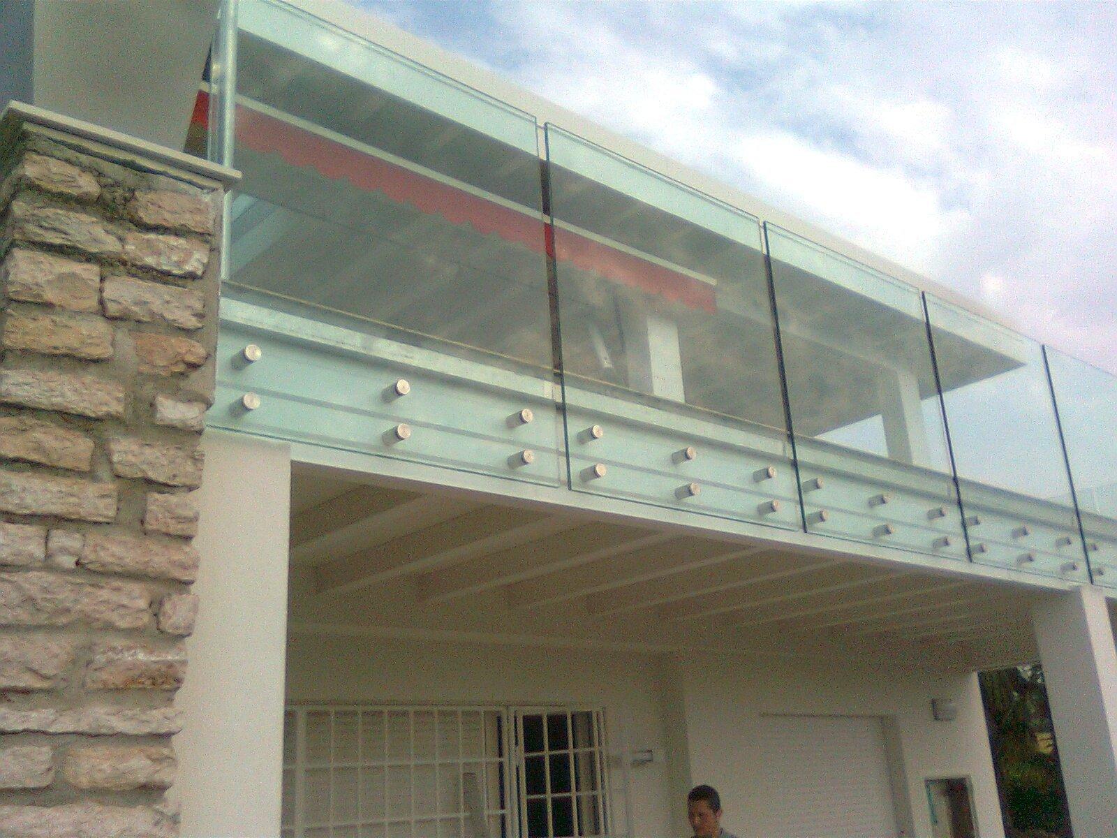 vetrata di una palazzina