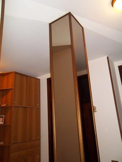 Contattaci per uno specchio da parete su misura.