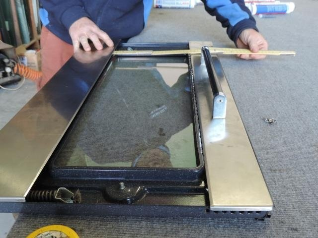 sostituzione  vetro anteriore rotto