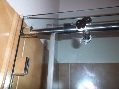 Ogni particolare della parete in vetro del tuo box doccia viene curato con passione e attenzione.