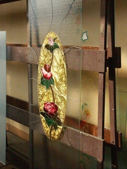 Produzione vetri artistici e decorati.