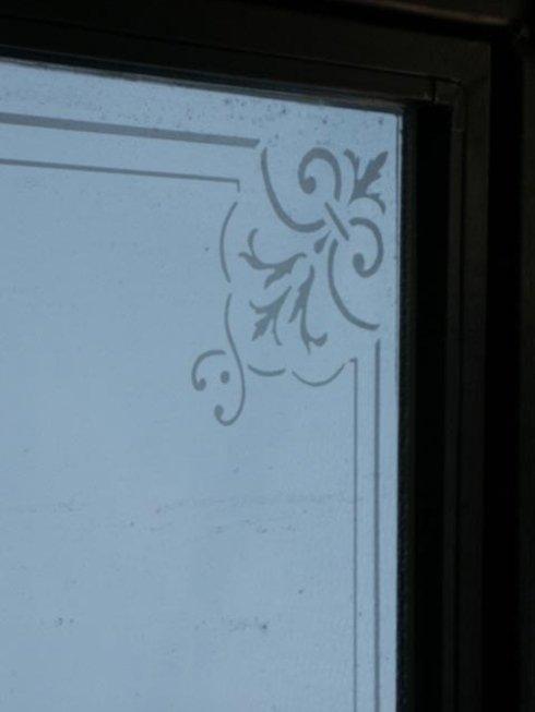 Produzione vetri decorati.