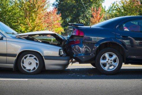 un tamponamento tra due veicoli