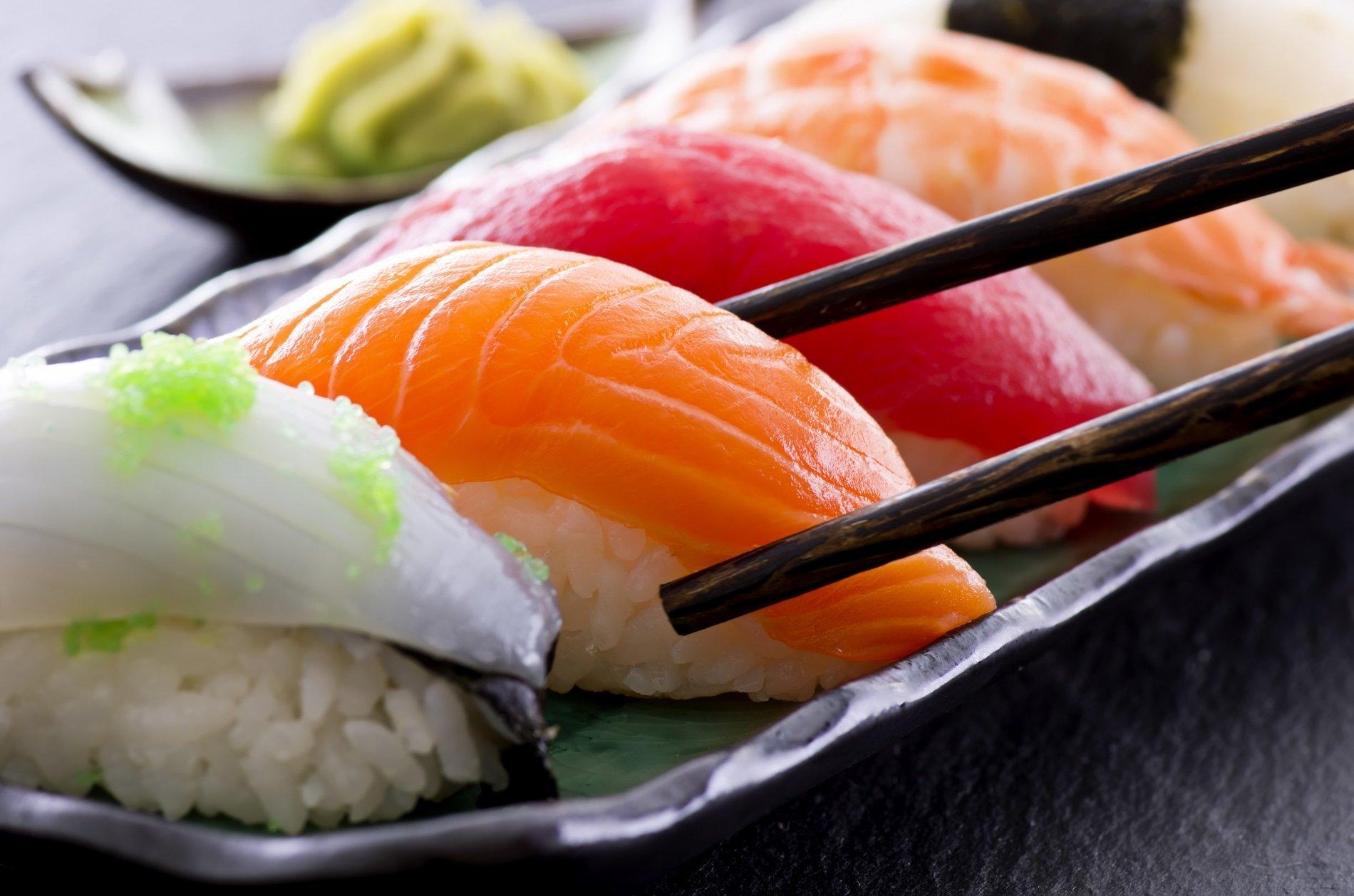 sushi di salmone e tonno