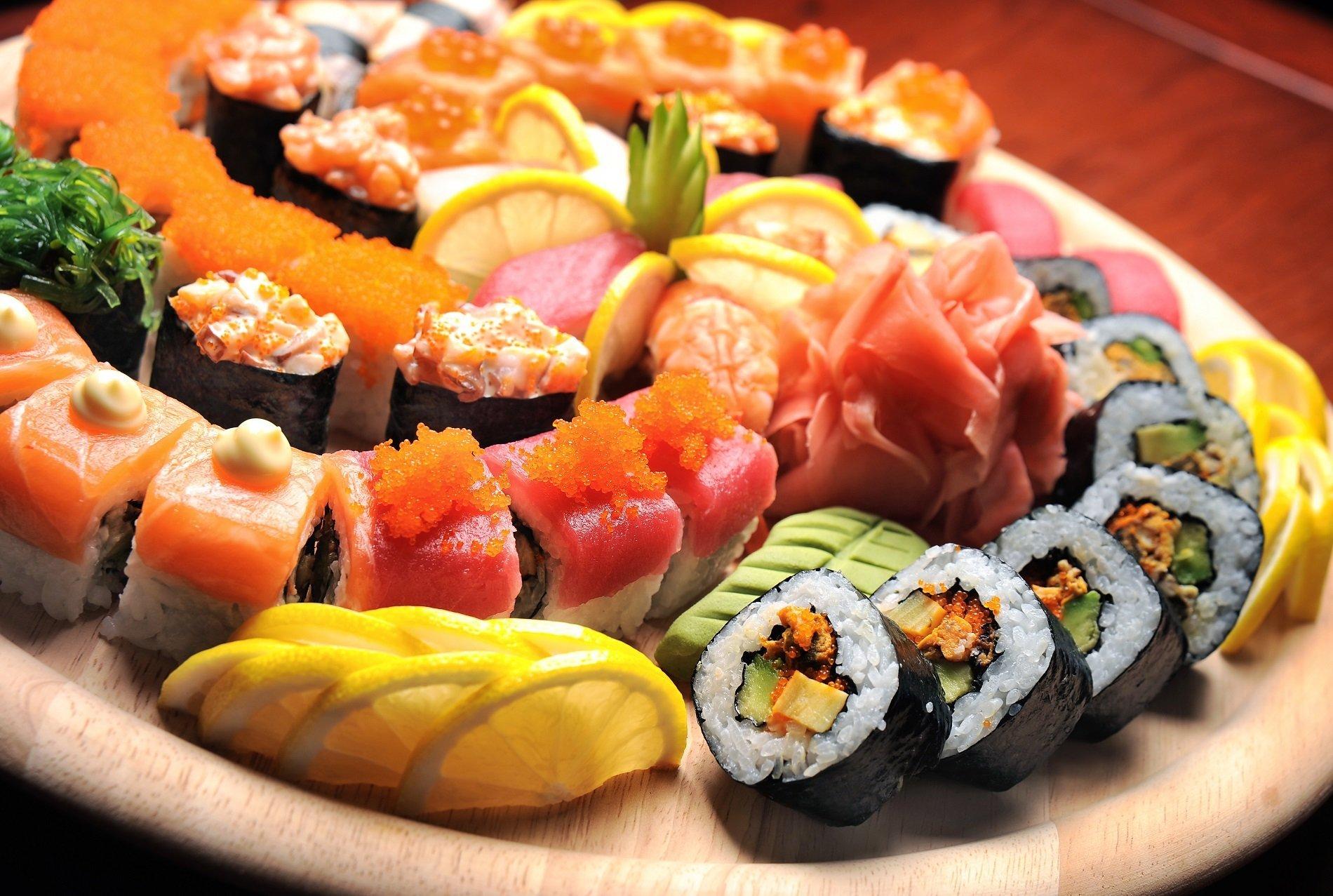 diversi tipi di sushi