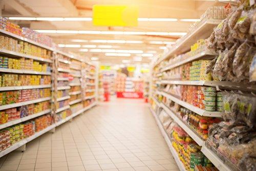 interno di un supermercato di alimentari