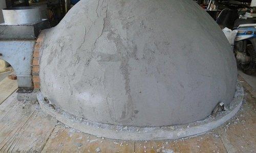 un forno durante la costruzione