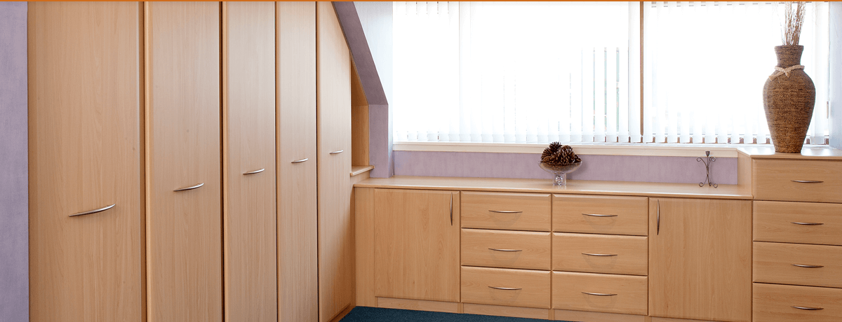 Fitted hinged wardrobe