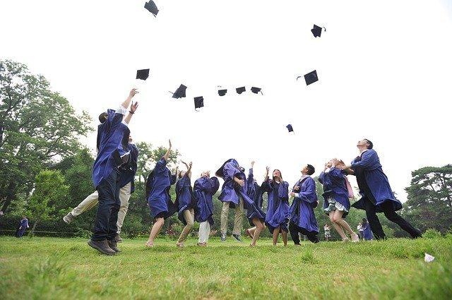 Entertainment Options for Graduation Parties