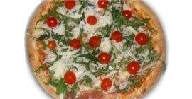 la tradizione della pizza cotta a legna