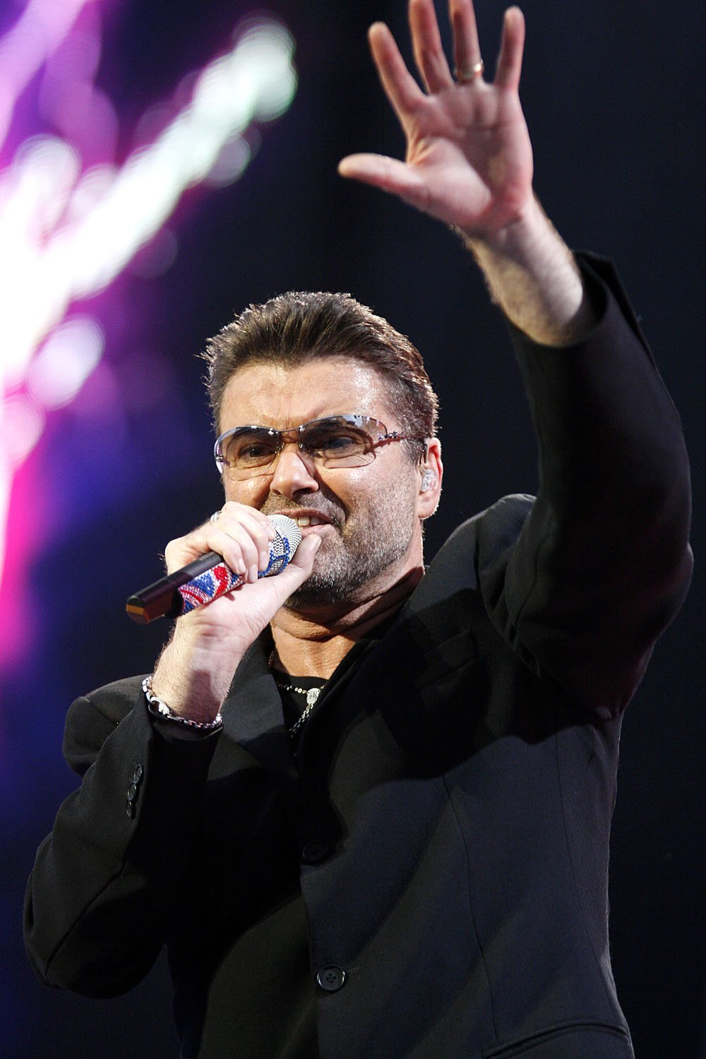 George Michael @ Plymouth Home Park 19th June 2007 - www.leapimages.co.uk