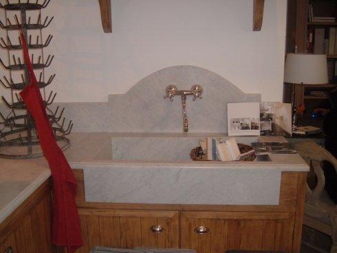 Realizzazione di mobili in legno massello per cucina