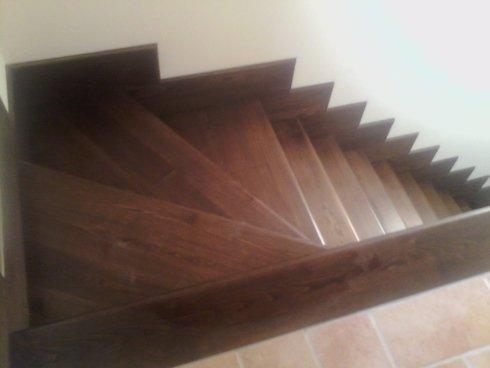 Realizzazione di scale in legno su misura