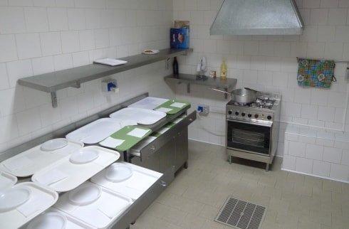 cucina interna della residenza anziani