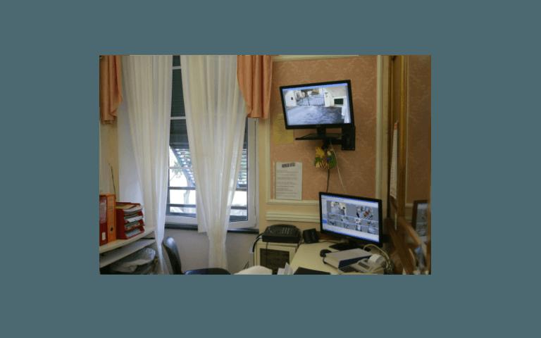 stanza struttura anziani