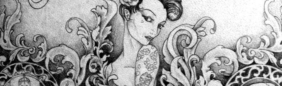 una donna con tatuaggi decorare