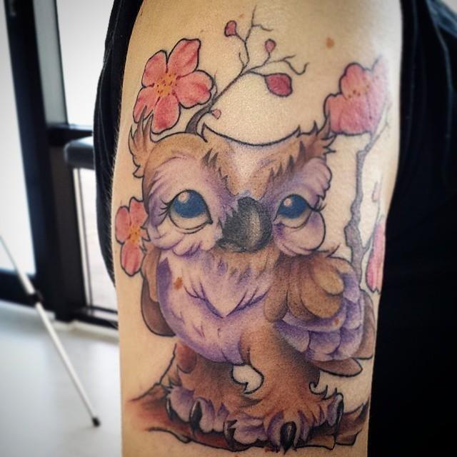 tatuaggio ucello e fiore