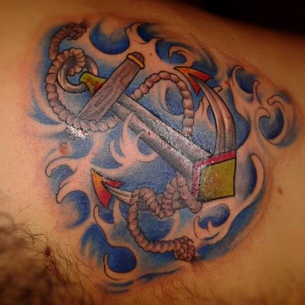 tatuaggio azzurro decorato