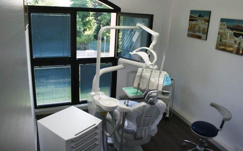 attrezzature studio dentistico