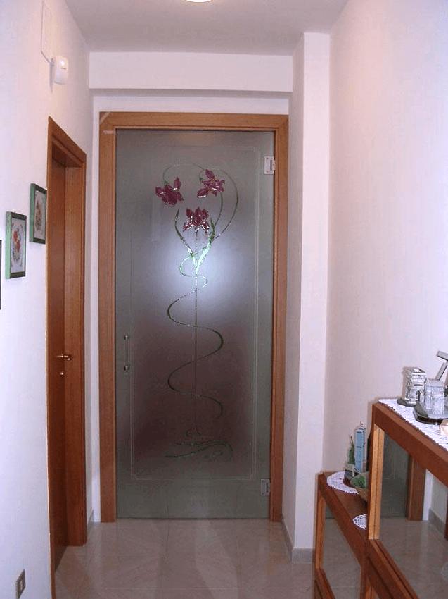 porta con decoro
