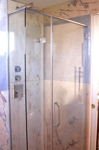 box doccia fisso con portella
