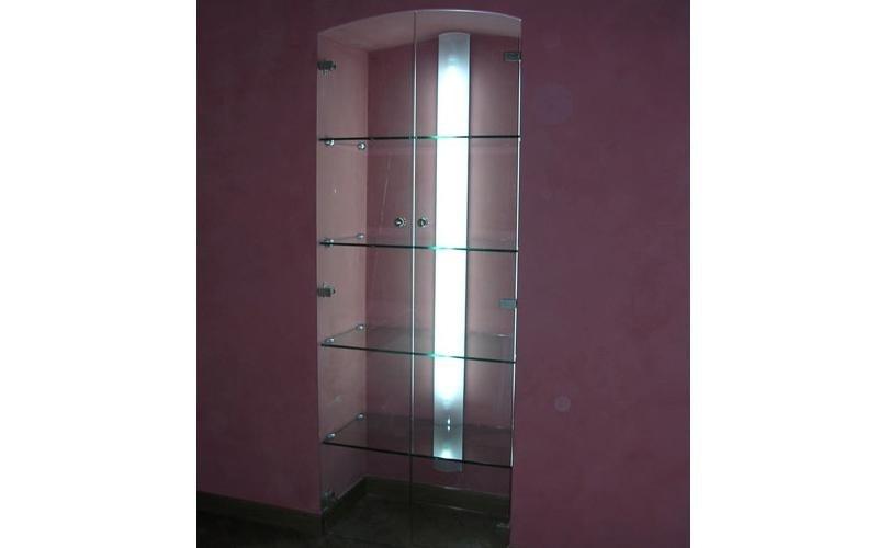 Ante trasparenti per nicchia in muratura più illuminazione interna